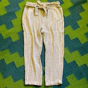 Free People paperbag grey pants with belt. Size 6